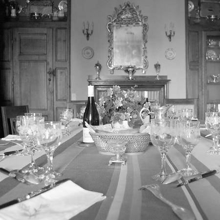 Vic-Fezensac - Gers 32 - tables hôtes - table